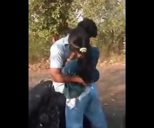 desi indian kiss and jappi..