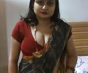 Desi Aunty clips for more..